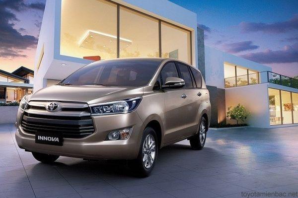 Toyota Innova thế hệ mới 2016.