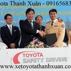 Toyota Việt Nam hỗ trợ Chương trình đào tạo lái xe an toàn