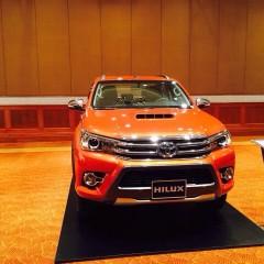 Toyota Hilux 2016 rục rịch chuẩn bị ra mắt thị trường Việt Nam